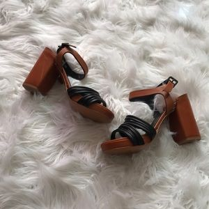 Robert clergerie leather chunky heels size 6.5